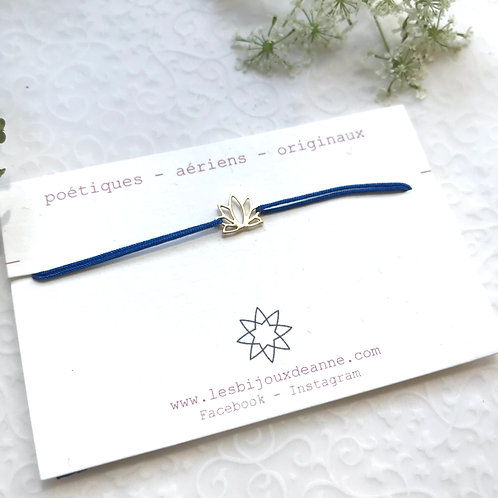 BRA PO lotus et fil bleu roi