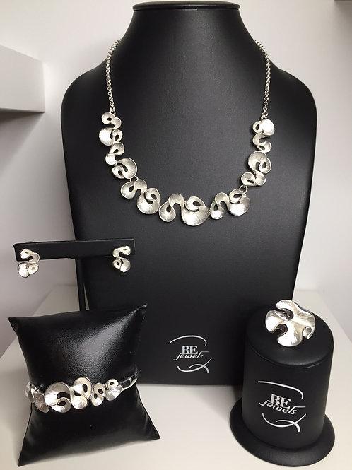 Juwelenset met hanger, armband, ring en oorbellen