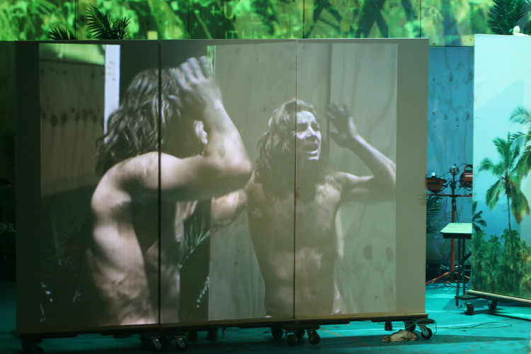 Simon Flips in Lord of the Flies