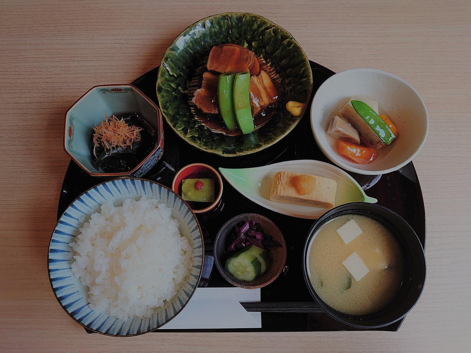 ランチ とろとろ豚角煮膳5月令和3年 DSC_0224_edited.jpg