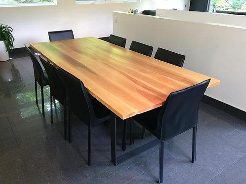 #17-39 Table Merisier