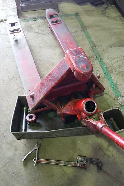 ハンドリフト修理