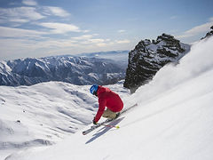 Off-piste-skiing-at-Cardrona-low-res__Fo