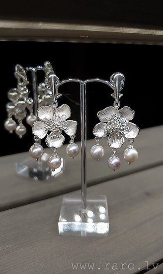 Silver clip on earrings with lavender pearls