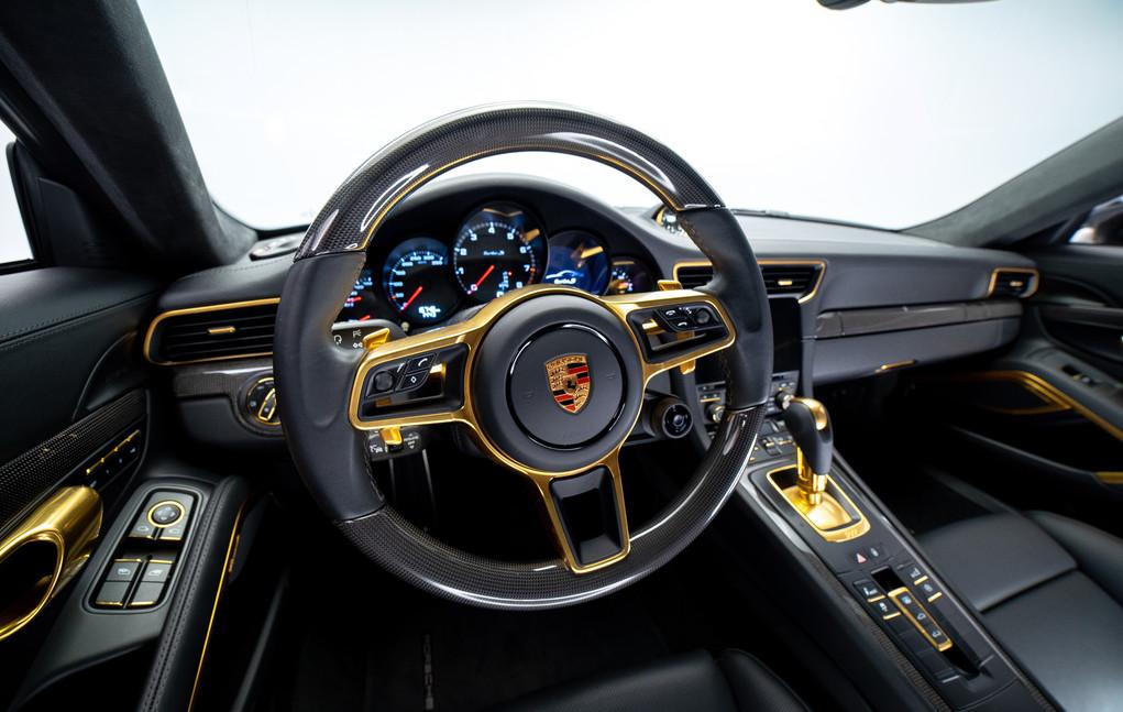 Porsche_911_ (29 of 32).jpg