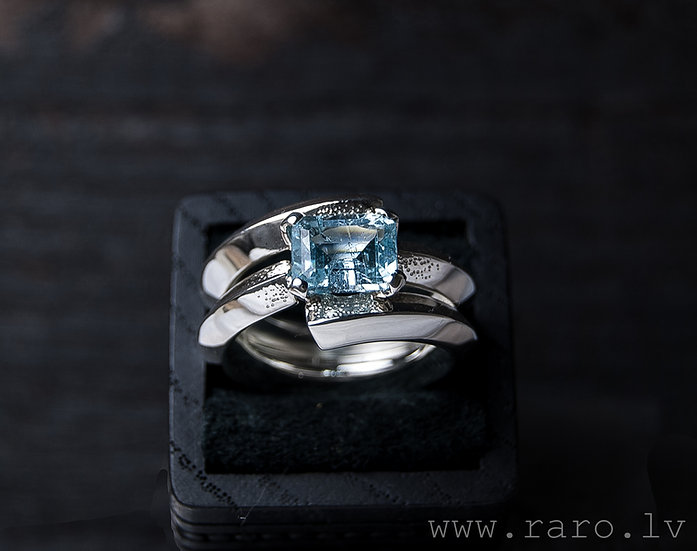Silver ring with aquamarine and diamonds