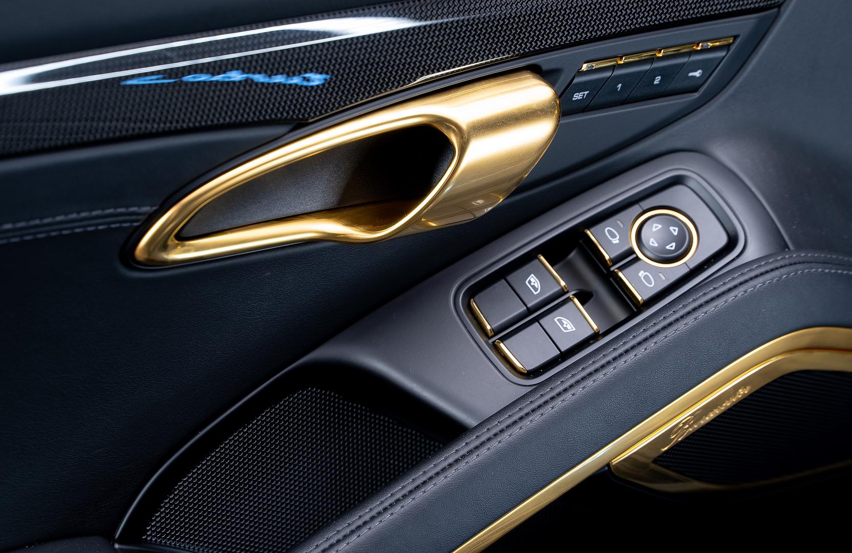 Porsche_911_ (7 of 32).jpg