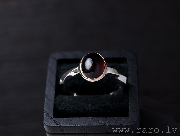 14K rose gold, silver and garnet ring