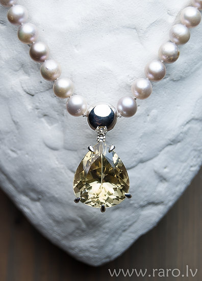 Sterling Silver necklace with citrine and pearls.