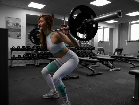 What's the difference: Squat vs Deadlift | Octavia Activewear