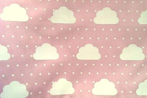 Nuvens - fundo rosa