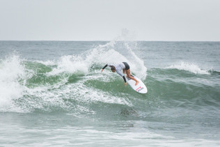 Girls fire up at the Backdoor Grom bash