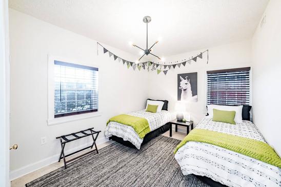 Retreat House - Honeycrisp Room