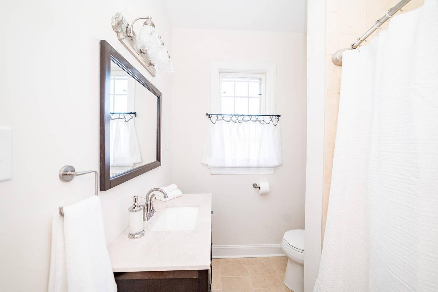 Retreat House - Granny Smith Room bath
