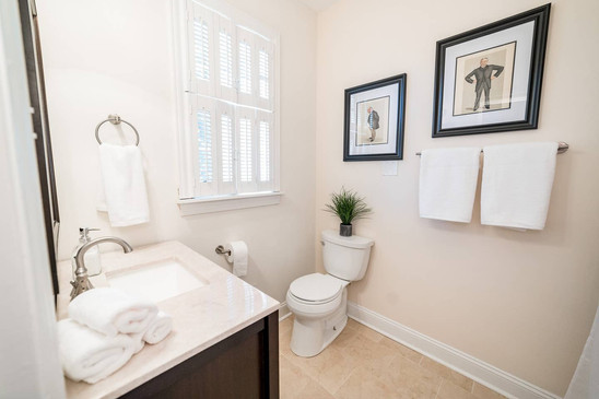 Retreat House - Pink Lady Room bath