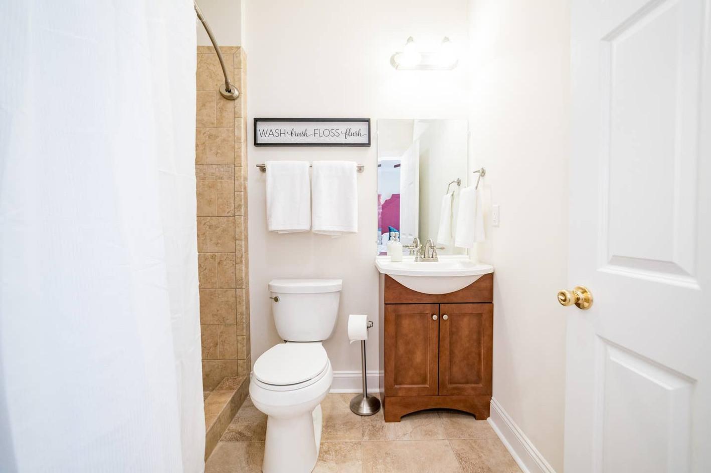 Retreat House - Gala Room bath