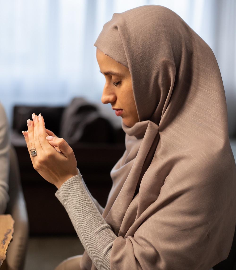 muslim woman, dua, supplication