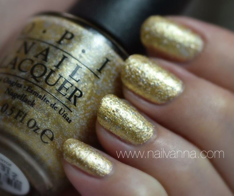 Nailvanna,nail polish reviews,lacquer,OPI,A Mirror Escape,glitter,Alice Through The Looking Glass