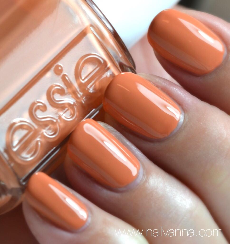 Nailvanna,nail polish reviews,lacquer,essie resort,Taj-ma-haul,ornage