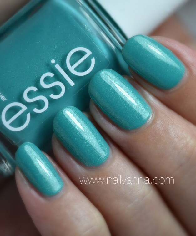 Nailvanna,nail polish review,lacquer,Essie,Viva Antigua!,turquoise
