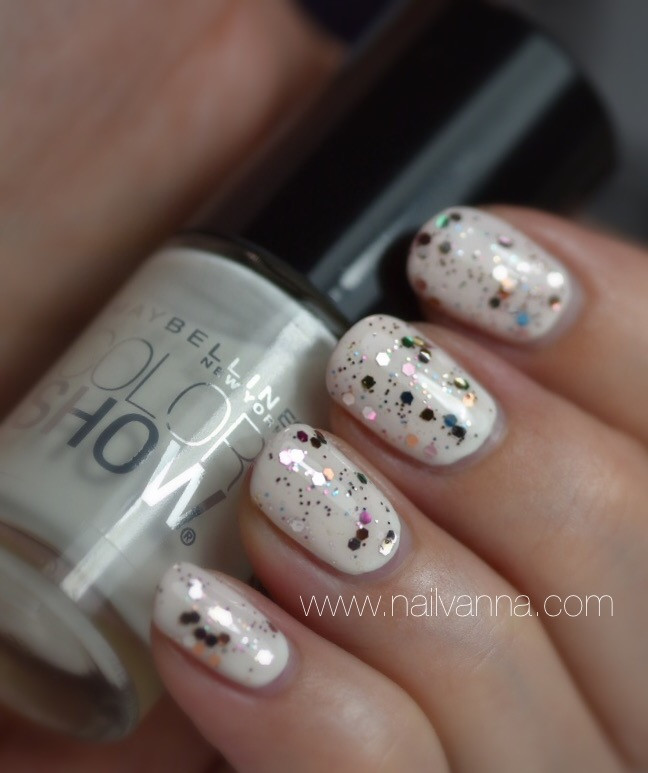 Nailvanna,nail polish review,lacquer, porceliane party, mosaic prism, glitter,white