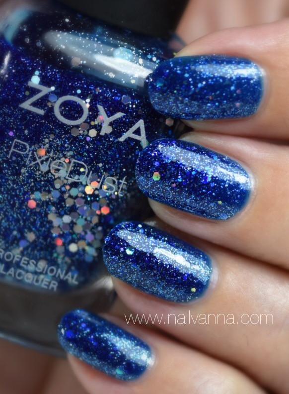 Nailvanna,nail polish reviews,lacquer,zoya,nori,pixie dust,glitter,blue
