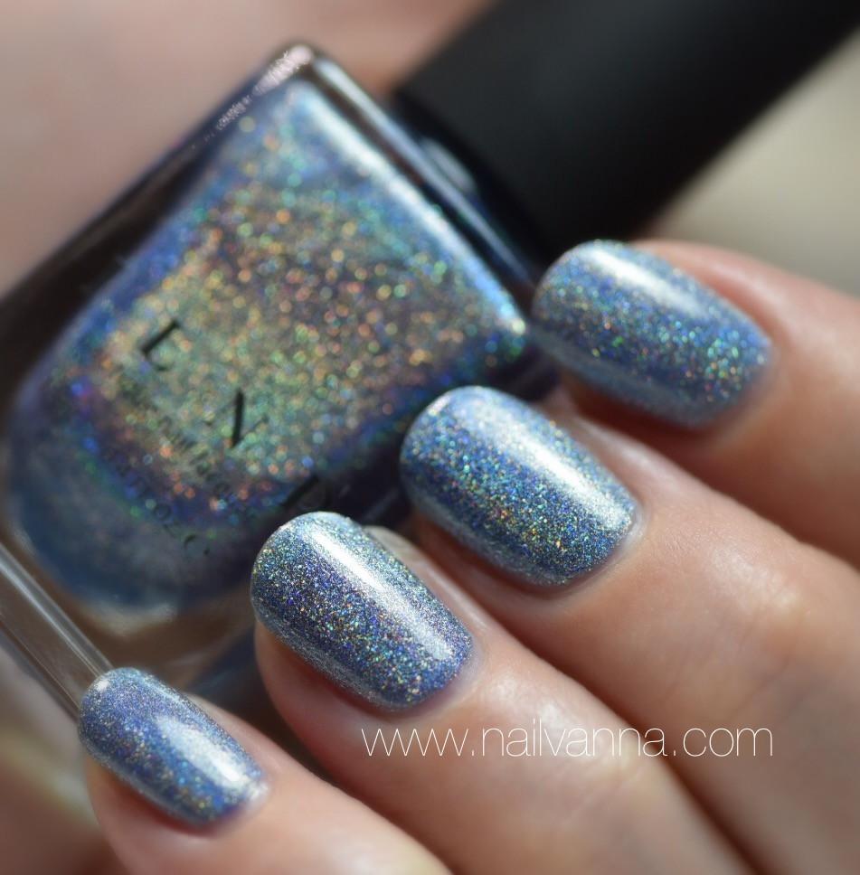 Nailvanna,nail polish review,lacquer,ILNP,Skyscraper.blue,holo