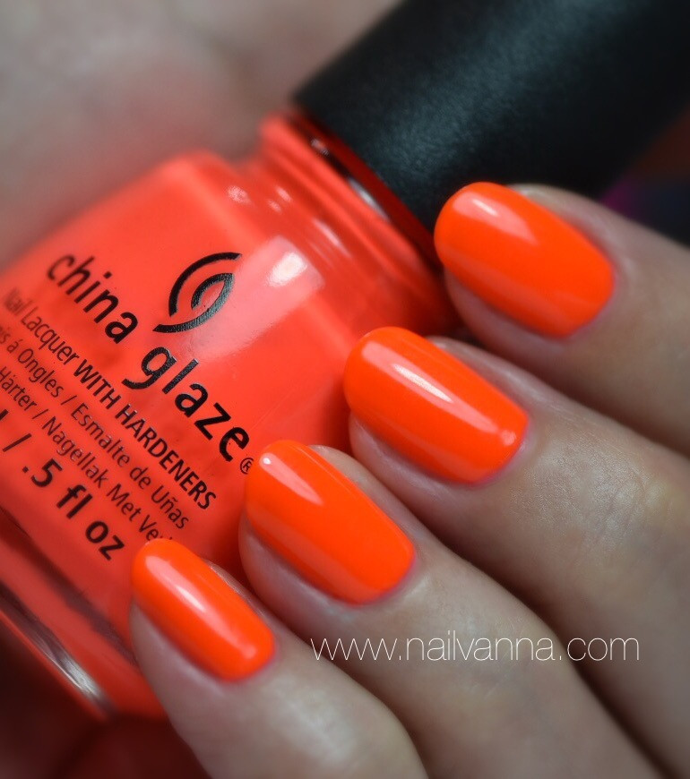 Nailvanna,nail polish reviews,lacquer,China Glaze,Pool Party,Neon orange,bright