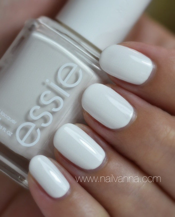 Nailvanna,nail polish reviews,lacquer,Essie,Blanc,white