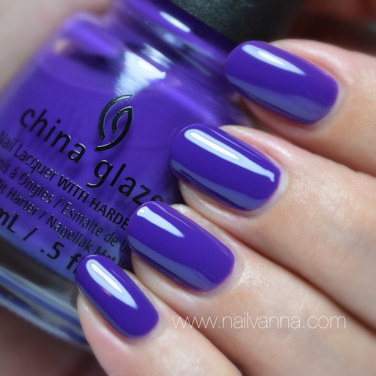 Nailvanna,nail polish reviews,lacquer,China Glaze,Mix and Mingle,purple