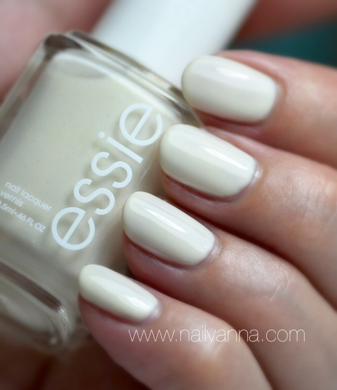 Nailvanna,nail polish reviews,lacquer,essie,marshmallow,white,crelly