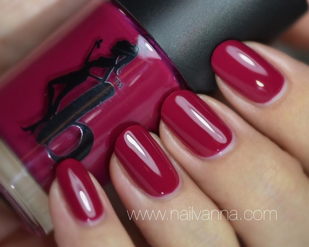 Nailvanna,nail polish reviews,lacquer,Be A Bombshell,Holy Fuchsia