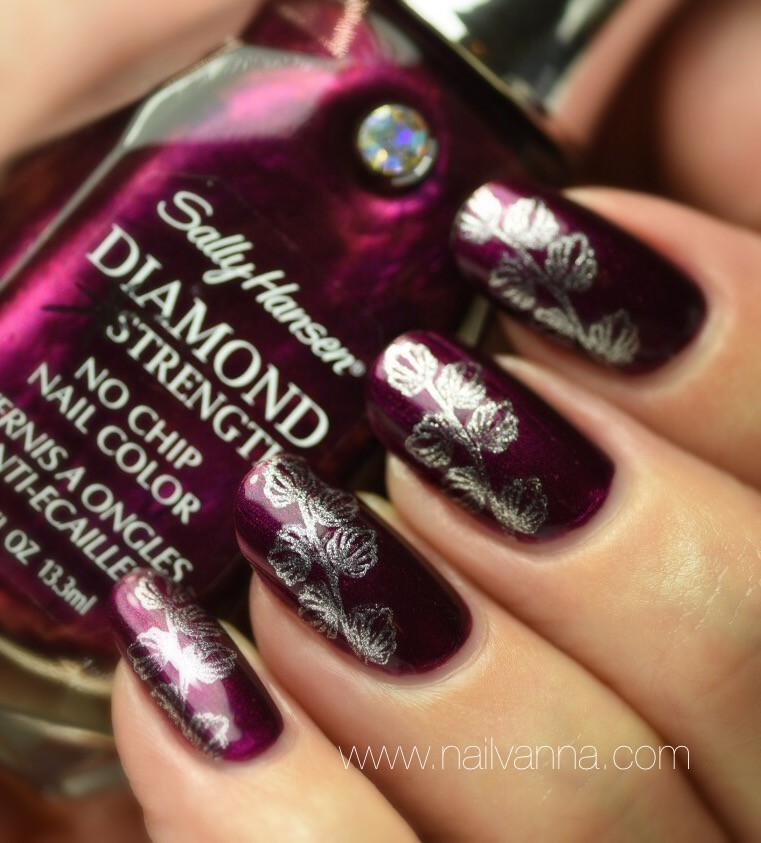 Nailvanna,nail polish reviews,lacquer,Sally Hansen,Save The Date