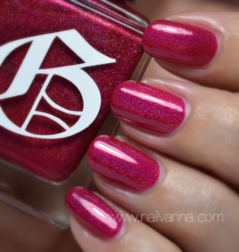 Nailvanna,nail polish reviews,lacquer,Gothic Gala,Distraction,holo,red
