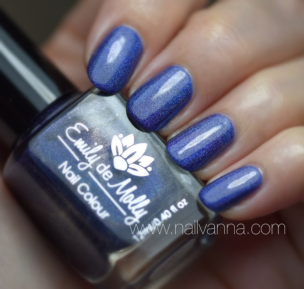 Nailvanna,nail polish reviews,lacquer,emaily de molly,blue holo,long engagement,