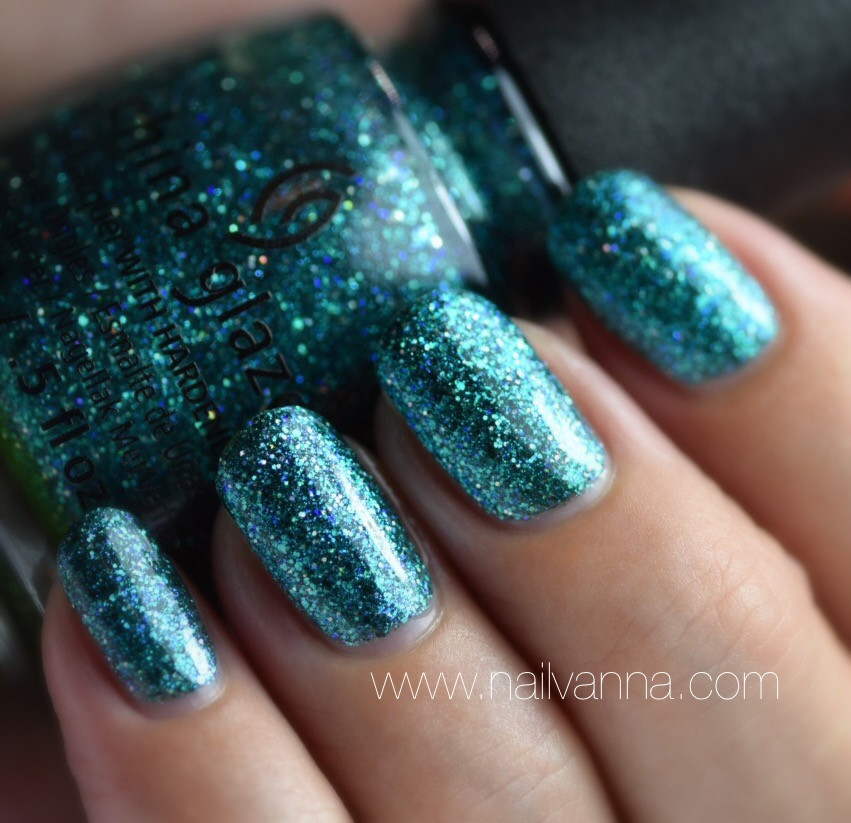 Nailvanna,nail polish reviews,lacquer,China Glaze,I Soiree I Didn't Do It,teal,glitter,cheers