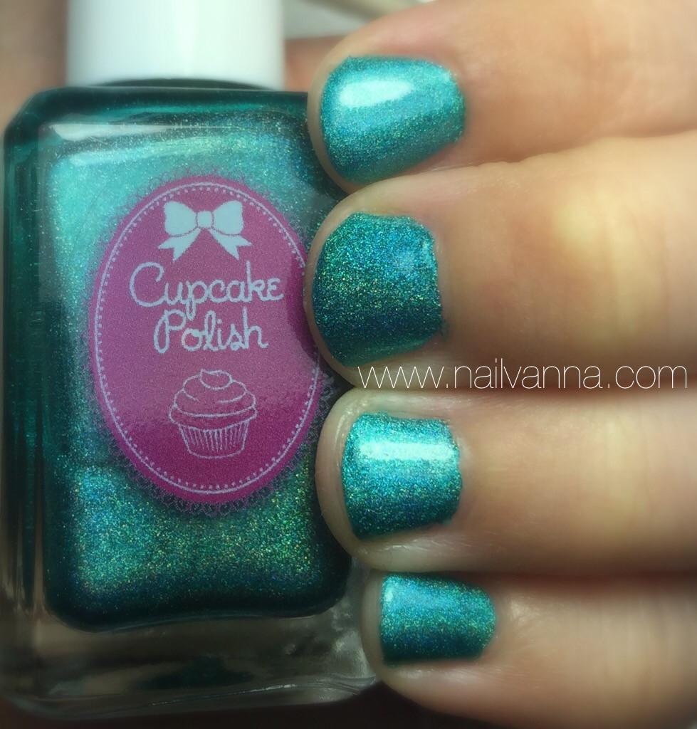 Nailvanna,nail polish reviews,lacquer,cupcake polish,water you doing?,aqua holo
