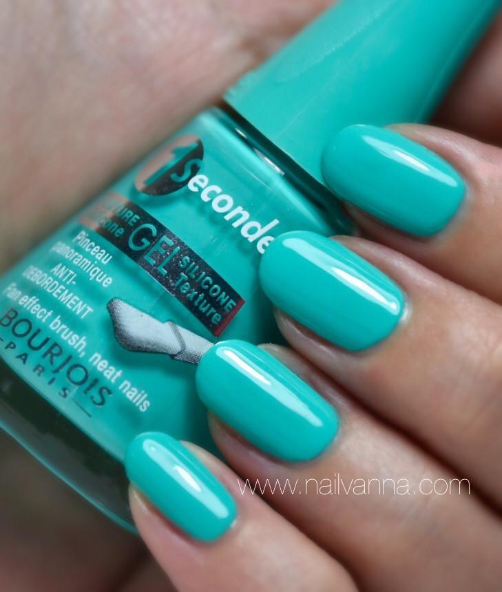 Nailvanna,nail polish review,lacquer,Bourjois,turquoise block