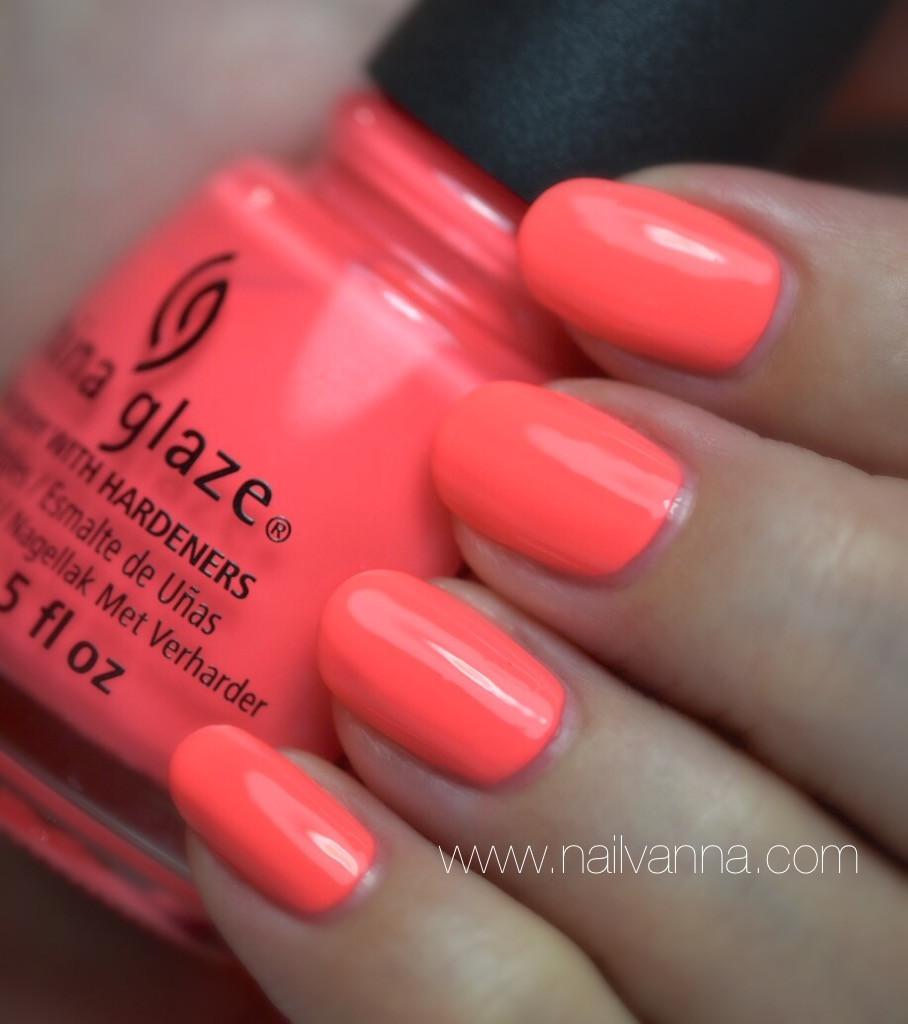 Nailvanna,nail polish reviews,lacquer,china glaze,thistle do nicely,neon