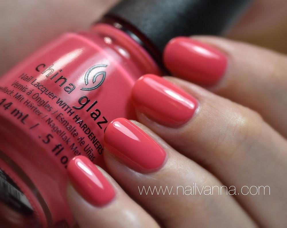 Nailvanna,nail polish reviews,lacquer,china glaze,about layin' about,pink