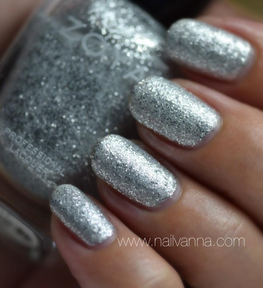 Nailvanna,nail polish reviews,lacquer,zoya,luna,matte,glitter,silver