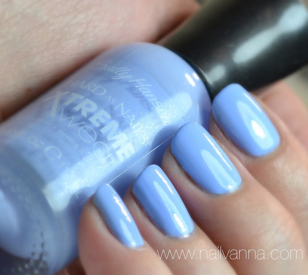 Nailvanna, nail polish review,Lacquer,Sally Hansen,Babe Blue,light blue