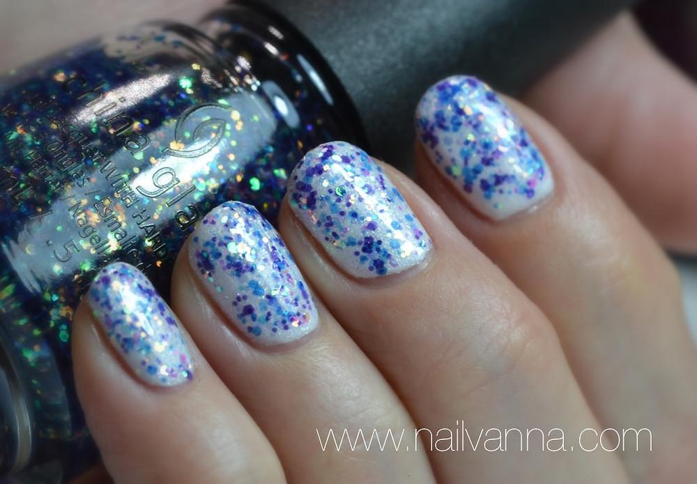 Nailvanna,nail polish reviews,lacquer,china glaze,Monlight The Night,house of color,glitter