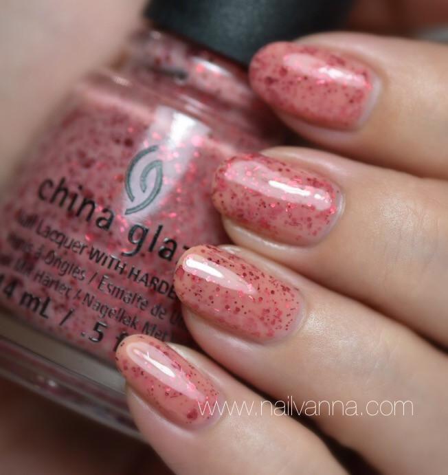 Nailvanna,nail polish reviews,lacquer,China Glaze, Don't Let The Dead Bite