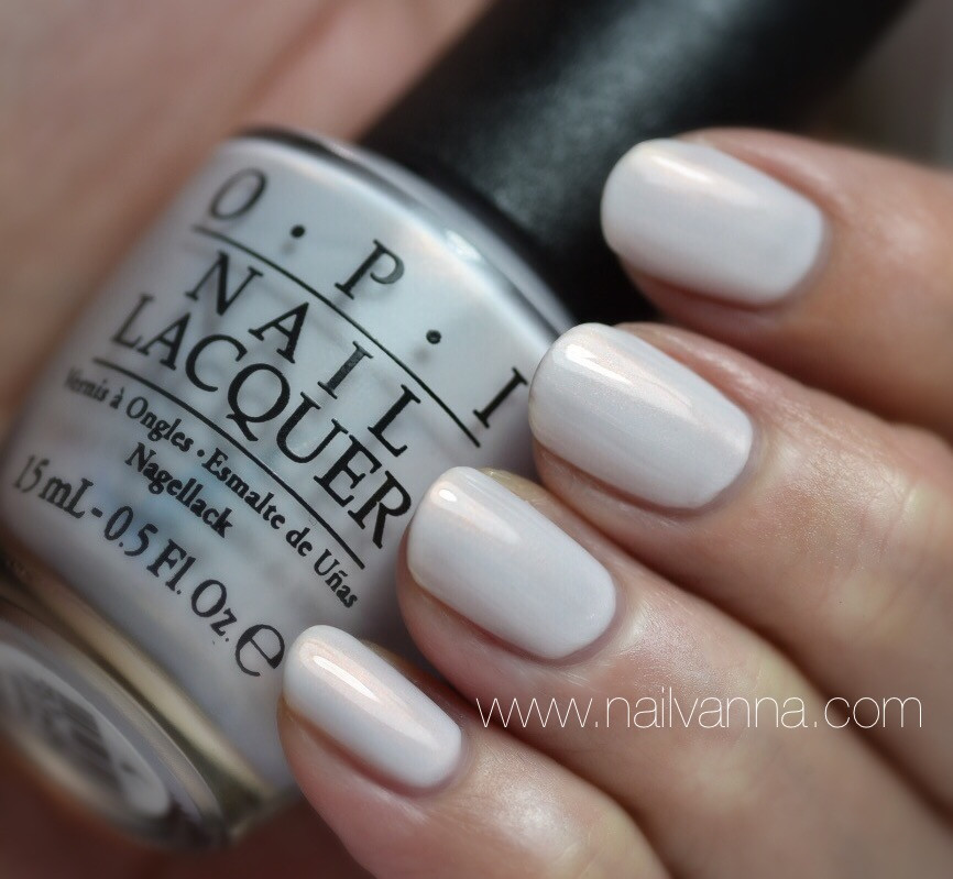 Nailvanna,nail polish reviews,lacquer,OPI,Oh My Majesty!,white,Alice Through The Looking Glass