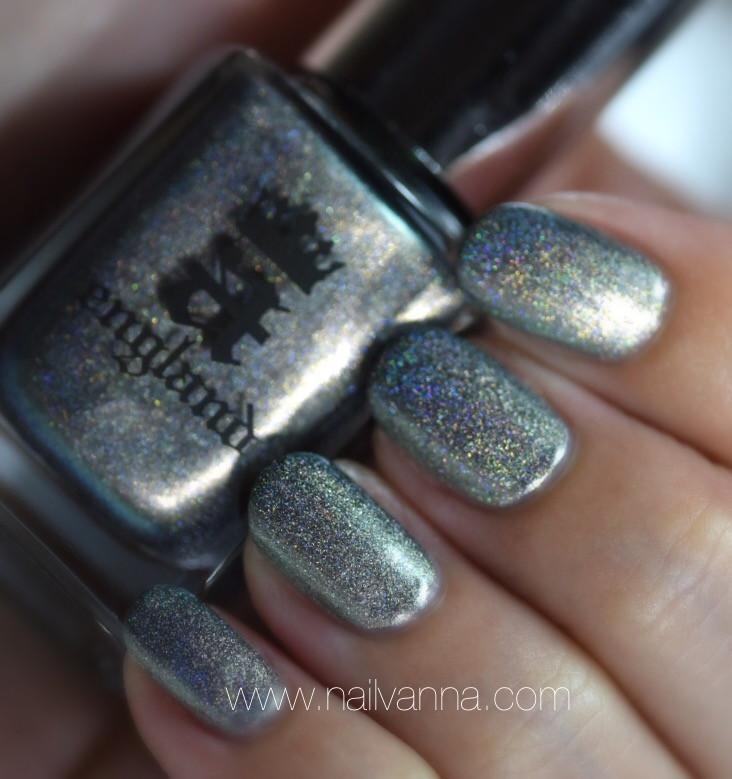 Nailvanna,nail polish reviews,lacquer,a england,katyusha,holo