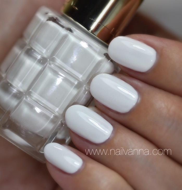 Nailvanna,nail polish reviews,lacquer,Blanc De Lune,L'Oreal,oil nail polish,white