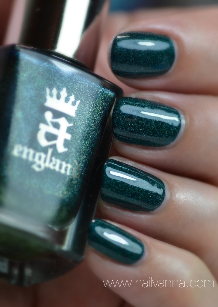Nailvanna,nail polish reviews,lacquer,a england,st george,holo green