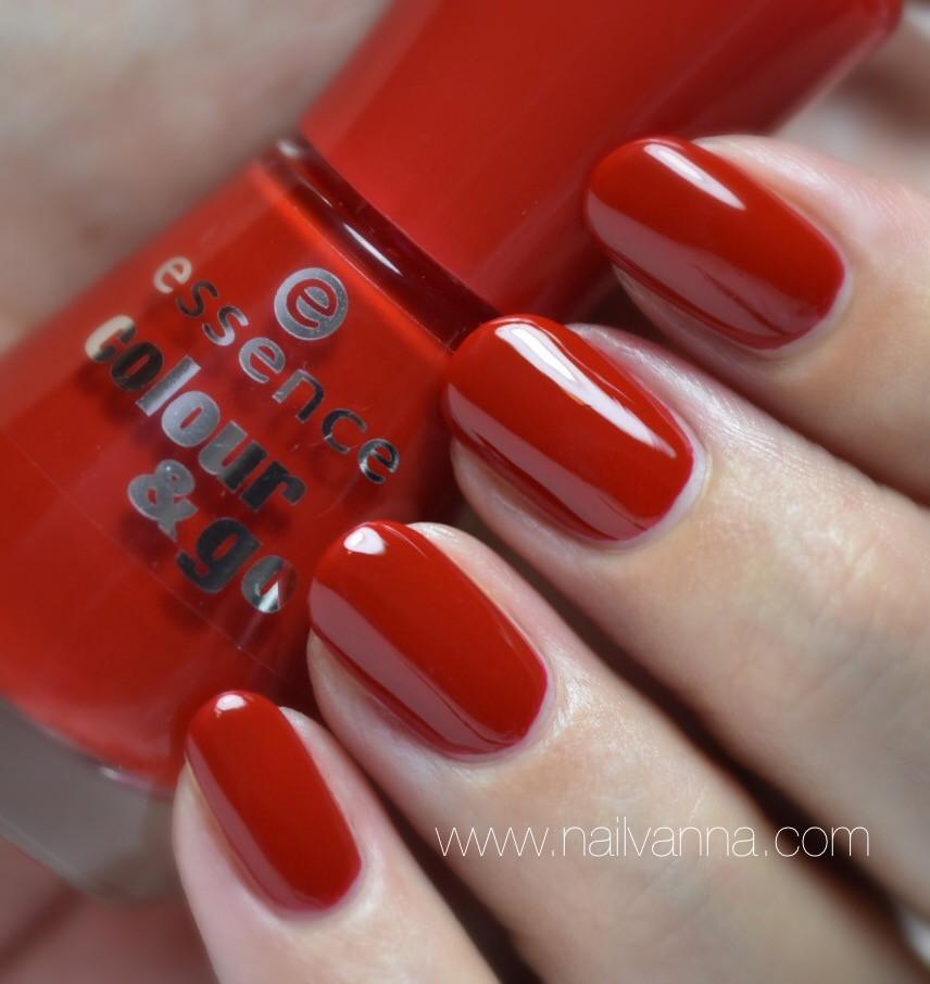 Nailvanna,nail polish rewies,lacquer,Essence,Fame Fatal, red