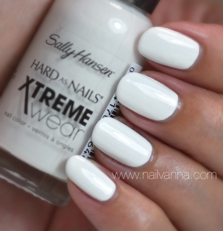 Nailvanna,nail polish reviews,lacquer,sally hansen,white on